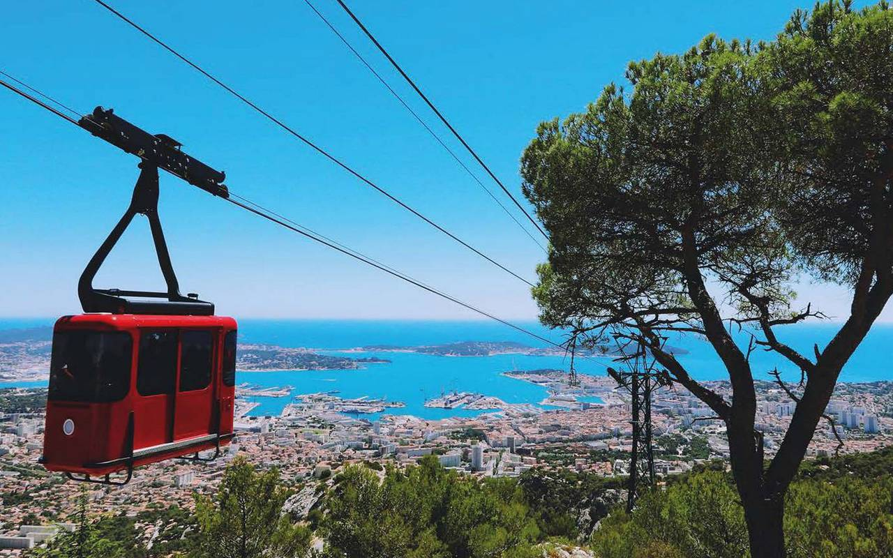 Cable car of Mount Faron holidays in Toulon