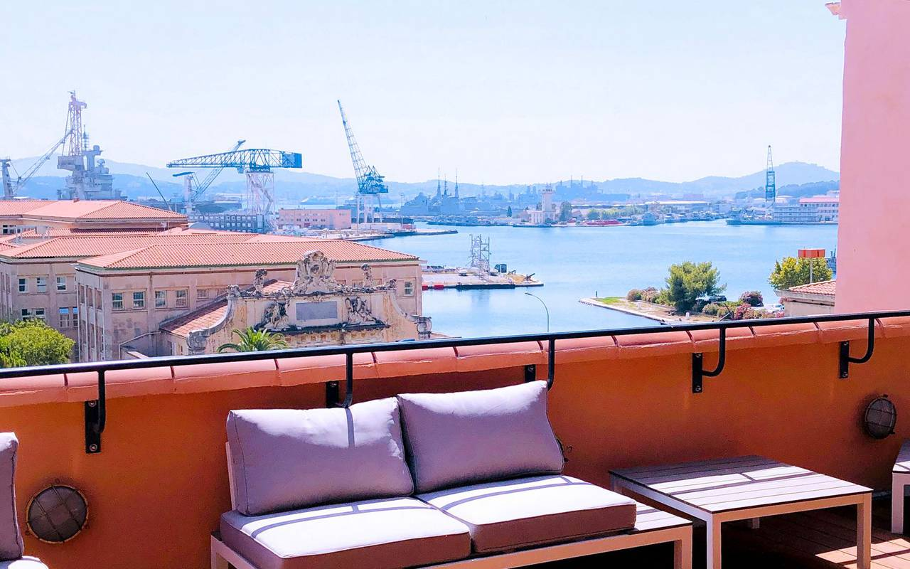 terrace with view over the port stay in Toulon