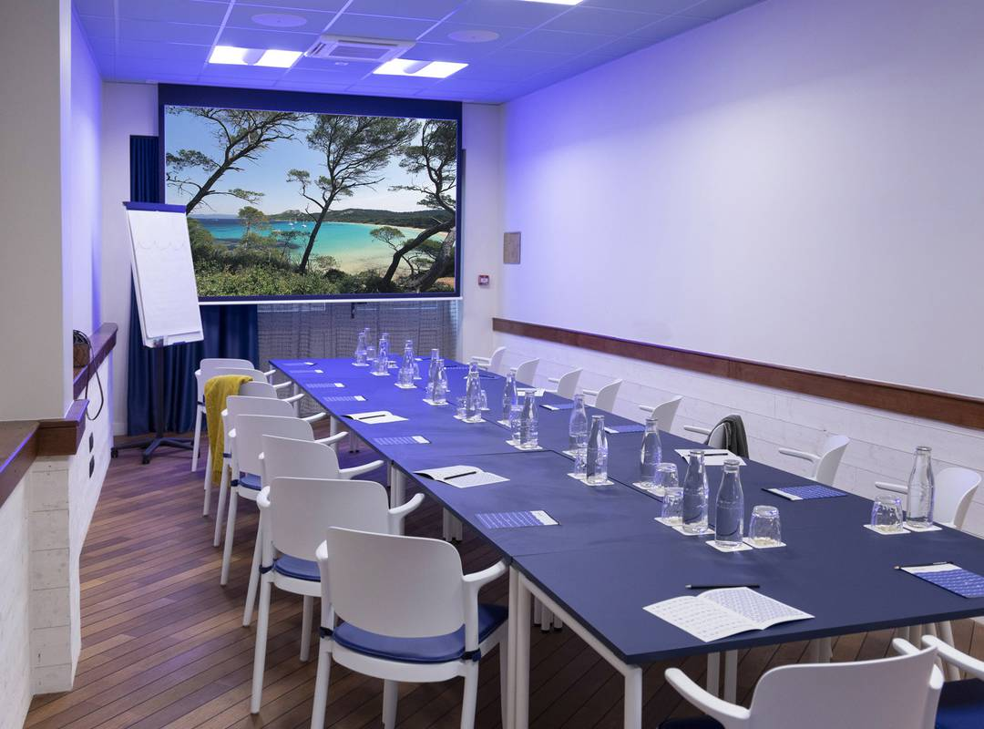 Fully-equipped meeting room, meeting Toulon, l'Eautel