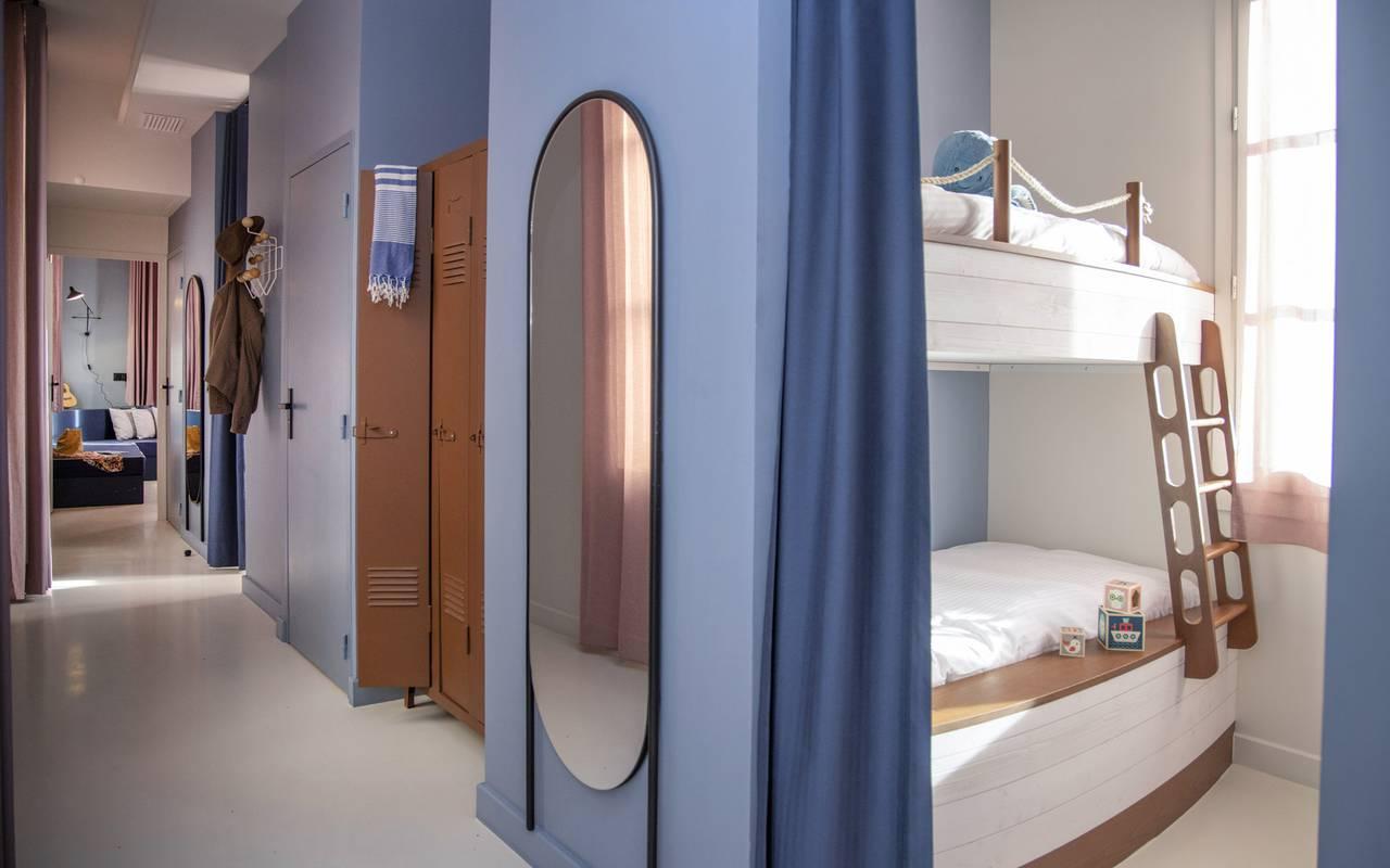 Entrée de la chambre Equipage, hôtel de charme dans le Var, l'Eautel