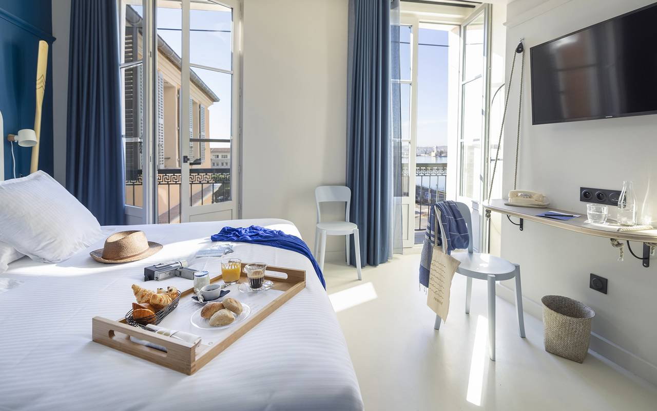 Vue de la chambre Pont Supérieur, hôtel Toulon centre, l'Eautel