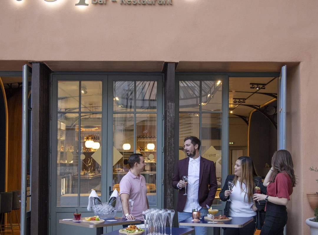 Cocktail sur la terrasse, location de salle Toulon, l'Eautel