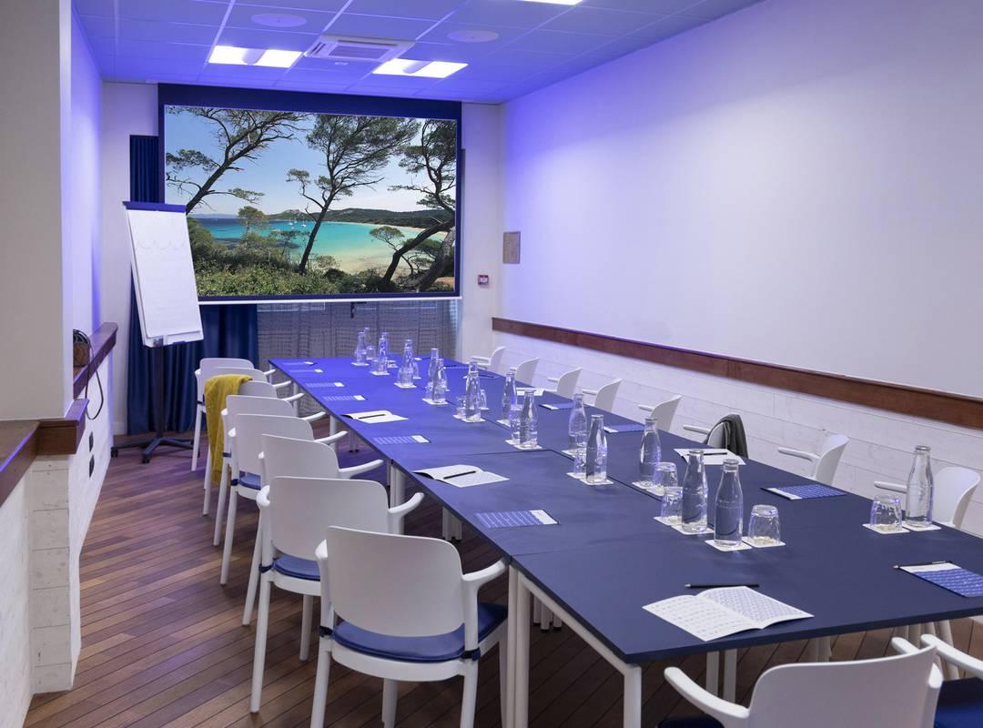 Salle de réunion tout-équipée, location de salle Toulon, l'Eautel