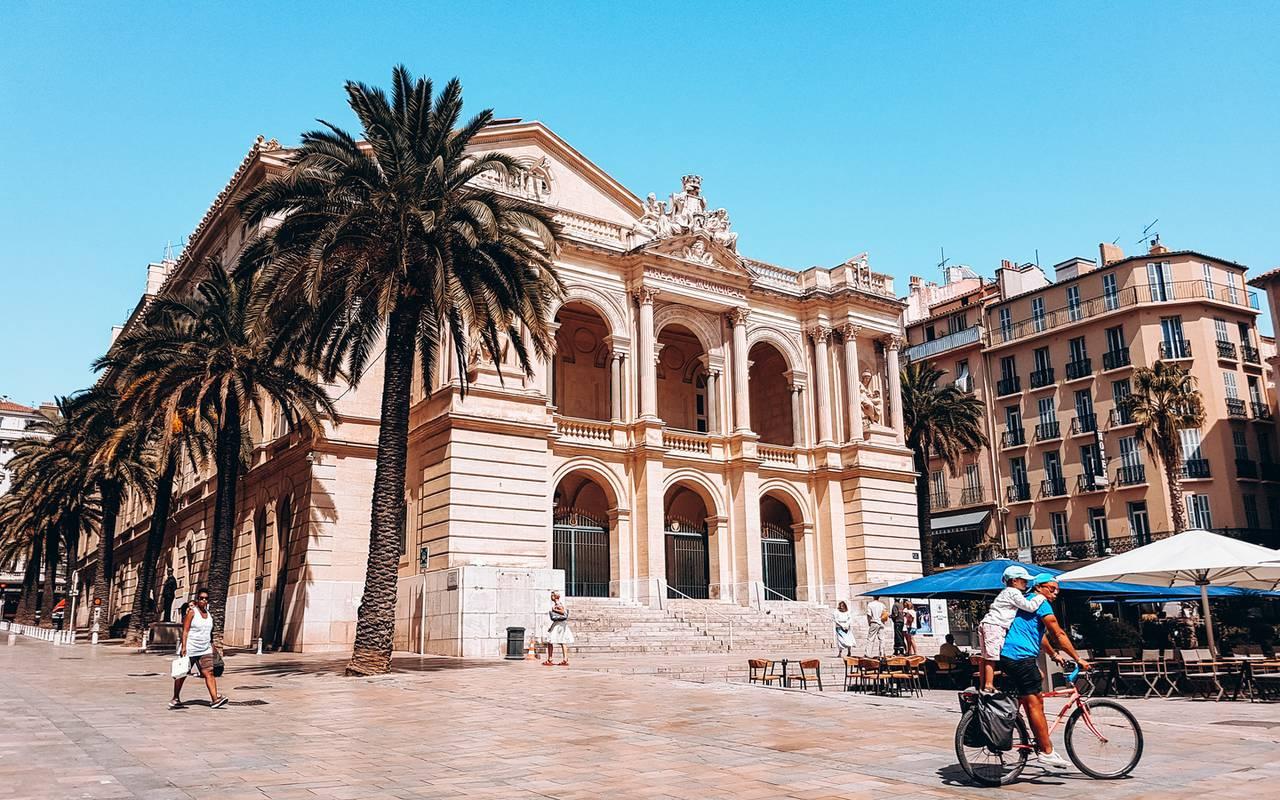 place de l'opéra, séjour à Toulon, l'Eautel