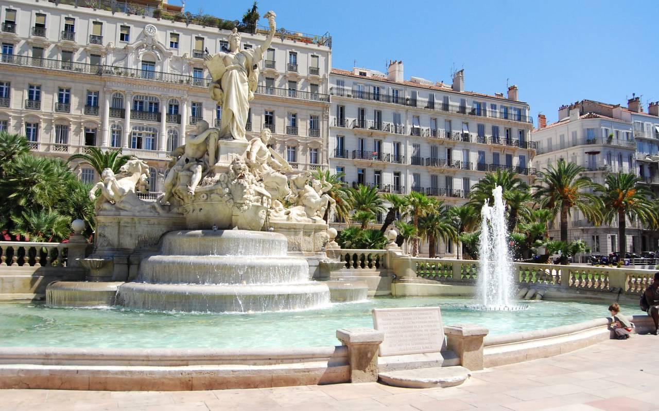 Place de la libérté, séjour à Toulon, l'Eautel