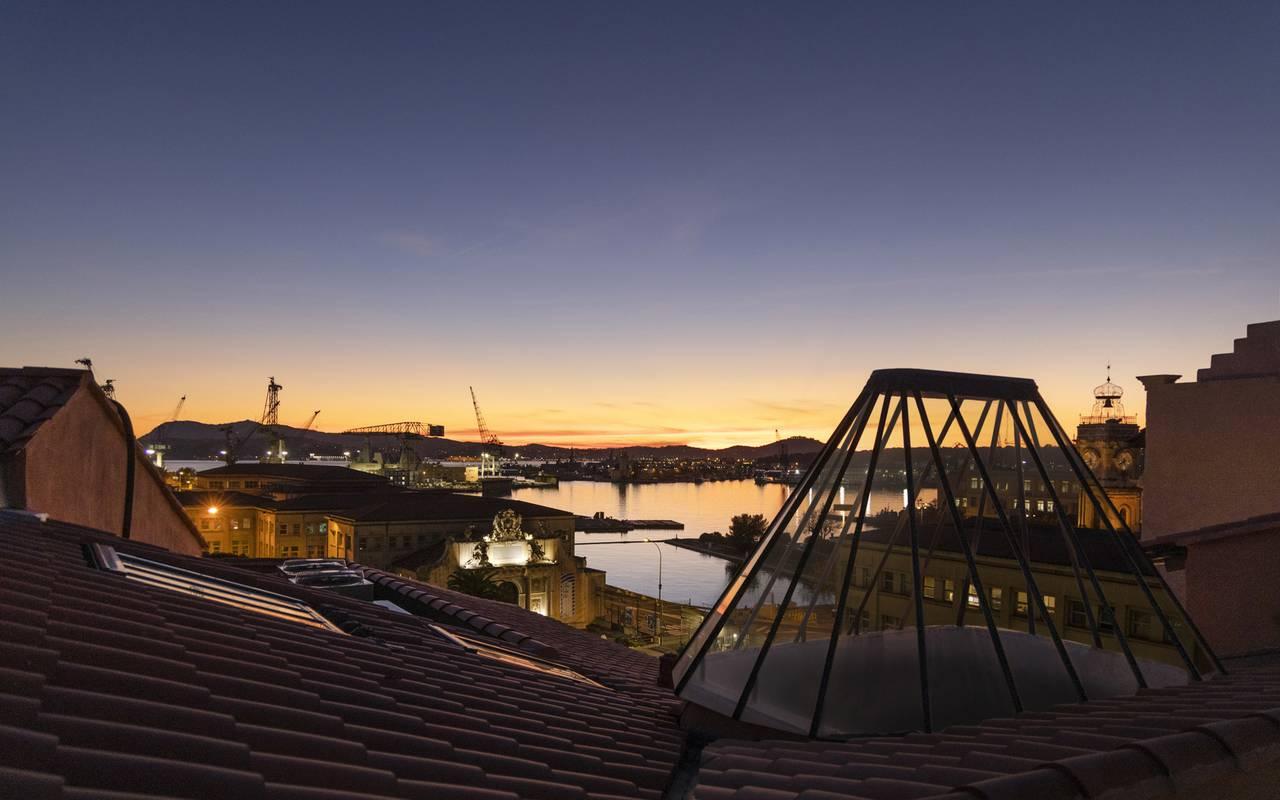 Vue depuis le toit, hôtel Toulon bord de mer, l'Eautel
